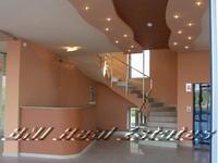 Магазин в бизнес сграда - Ботевградско шосе