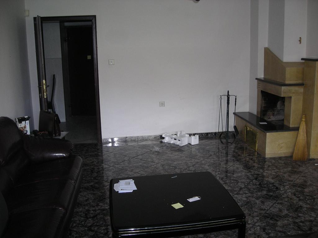 Продава четиристаен апартамент в кв. Бели брези