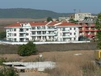 продавам апартаменти в с.Черноморец на 400 м от  Царския плаж