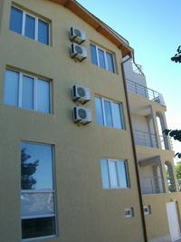 Завършена до ключ, на брега на морето сграда от 11 апартамента