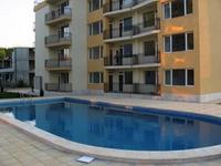 2-стаен нов обзаведен апартамент в Слънчев бряг-център,басеин,паркинг,62кв.м. цена 49910 евро