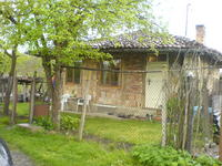 Продавам къща в село Чакали, общ. Елена