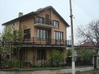 Продавам Вила в село Червен ( Асеновград )