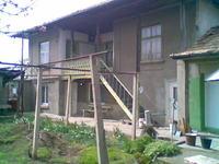 продавам къща в с.Светлен