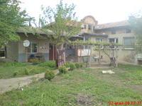 Продавам къща в село Царев брод - на 6 км от град Шумен