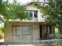 Продажба на къща 2 етажа с двор,канализация ,сонда,тел.,двор 1дк.,овошки,гараж