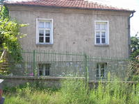 The property is located in a quite area , in the end of town