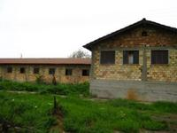 Продава голям обор-1000 м/2 -1990г строителство,ветеринар.лечебница-81м/2,47дк стоп.двор-обработваема земя