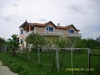 продавам къща в село Болярци