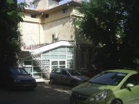"Триетажна ъглова къща на главен булевард ""Приморски"""