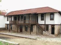 продава къща в с.Славяни