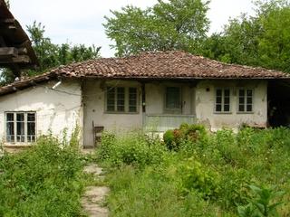 Къща в с.Хотница на 14 км от Велико Търново