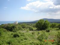 Имот с площ 1,720 дка . Находящ се в местност известна като бадемите над КК Албена и на 300 м над панорамния път Варна Балчик.