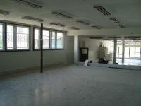 Монолитна къща с кафе - бар, фитнес зала и помещение за фризьорски салон