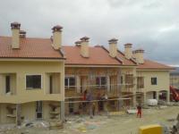комплекс от апартаменти и къщи