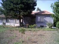 продава къща село Езерец