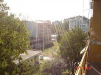 Тристаен панелен апартамент 80кв.м находящ се в кв. Левски гр Варна.