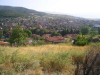 Продавам дворно място - УПИ - 570 кв.м. в Брестовица. Има ток, вода и лице 22 м на павирана улица.Много красива панорамна гледка. Цената е 18 000 евро. GSM : 0889606384