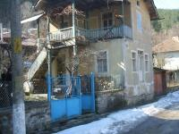 - story house in С. Лопян, on nearly 80 kilometers from Sofia. 