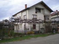 Продава къща в с.Склаве, община Сандански