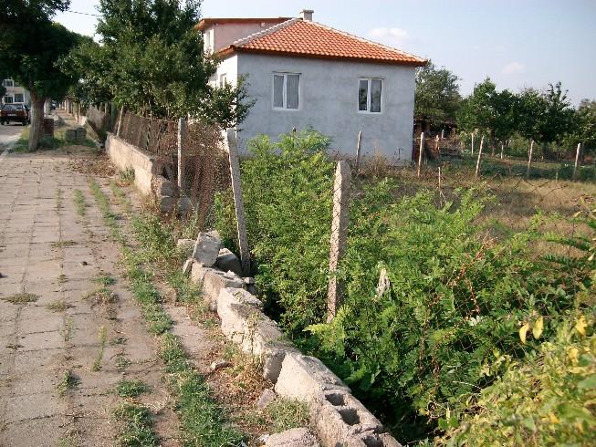 Дворно място 200/600 кв.м.-с.Винарско,общ.камено