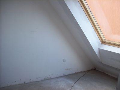 Продава двустаен тухлен апартамент жк. Люлин 8