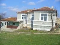 Продавам къща в с. Николаевка , Варненско