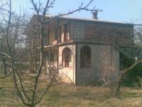Продавам къща(вила) намира се гр.Варна кв.Галата,Боровец-Север.