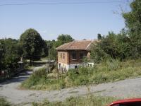 Продавам  къша ,2 етажа, 5 стаи, вътрешна стълба,  570 кв.м.двор, в центъра на с Момина Църква в СТРАНДЖА