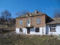 Уютна, селска къща близо до езеро