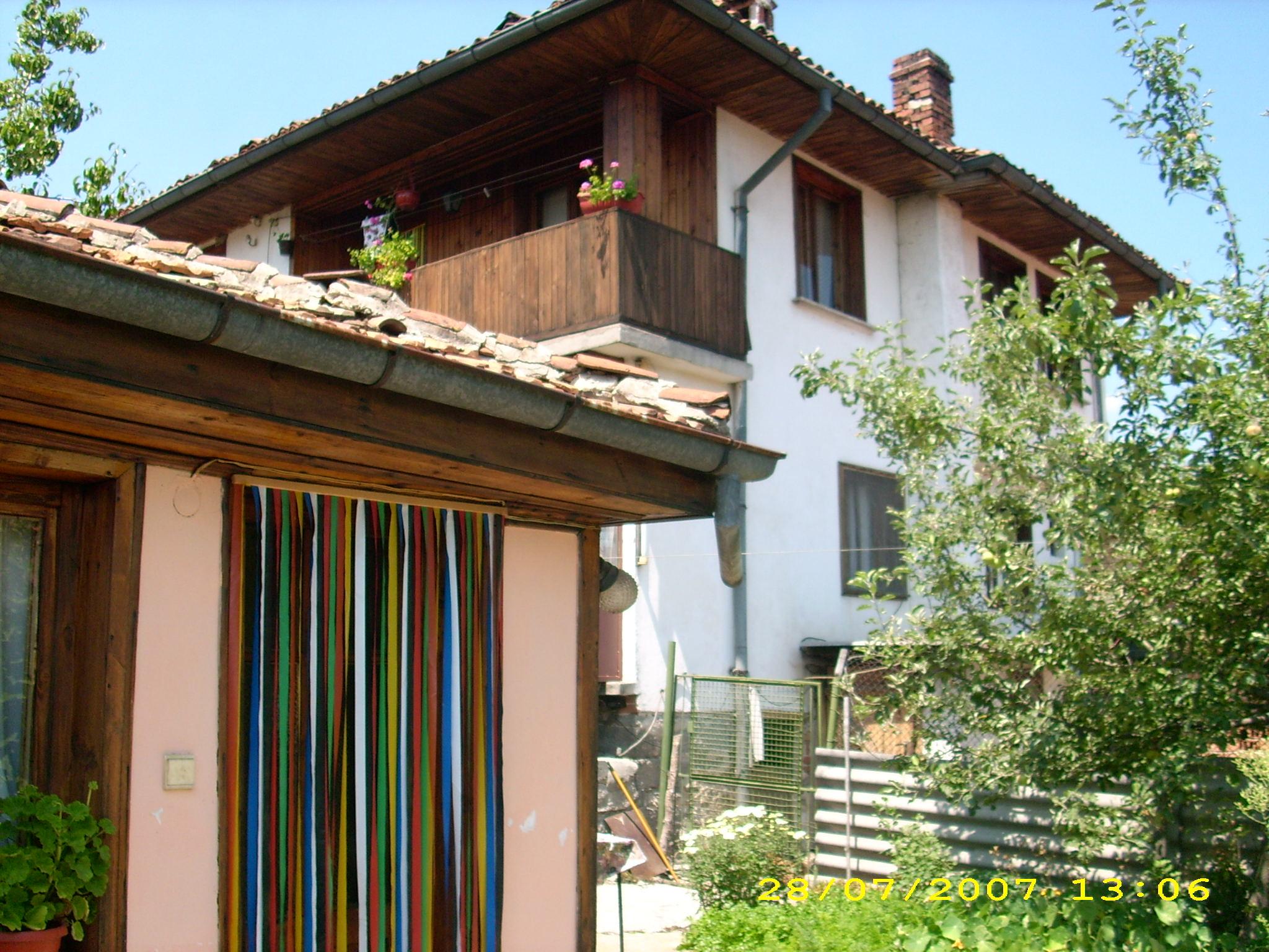 продавам нова,съвременна къща в старинен стил в гр.Копривщица