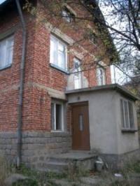 Продавам къща на груб строеж в с.Владая - 137000Е