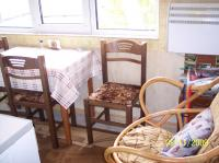 Двустаен апартамент в Струмско с подобрения
