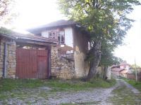 Продава селска къща на 10км от Габрово