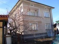 Масивна къща в гр. Хисаря