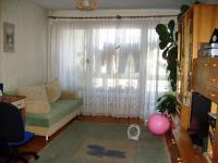 Продавам 2 стаен апартамент, гр.Перник,Проучване,до алеята за центъра и големи магазини.