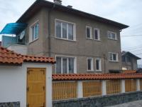Продавам самостоятелна къща в гр. Велинград