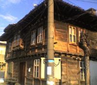 Старинна къща