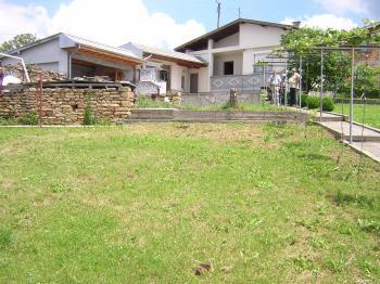 Къща с дворно място в Габровския балкан