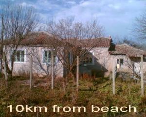 Стара къща с.ХАДЖИ ДИМИТЪР(Каварна,голф)