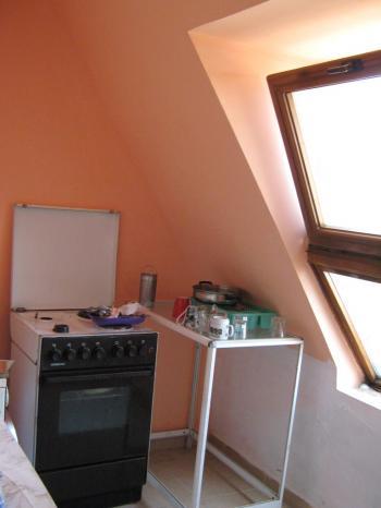 Продава двустаен апартамент в гр.Бургас в Центъра до Морската градина
