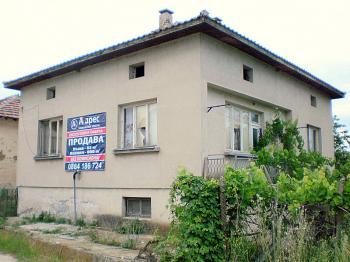 Едноетажна къша в село Ново Кономлади