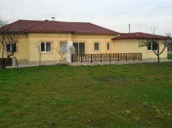 A solid rural house close to the town of Dobrich/Varna/Balchik