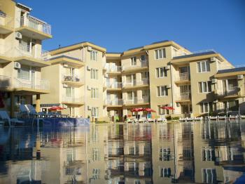 Bulgaria, Ravda, Aparthotel Rutland Bay. For rent Apartment. Price 500 Euro for two weeks. For the full year 2500 Euro.