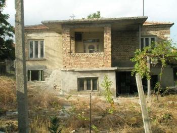 Къща с. Тополи