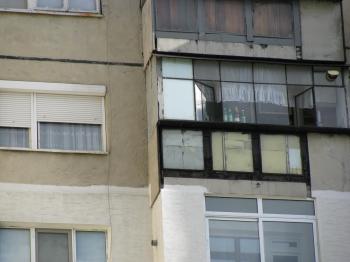 Продава  панелен апартамент