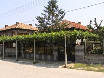 Large 4 bedroom house with Swimming Pool Plovdiv Kurtovo Kunare