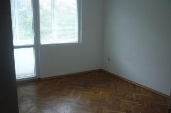 продавам апартамен 98кв.м. гр. Варна