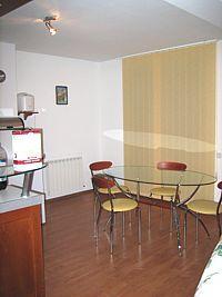 В София продавам тристаен на бул.България