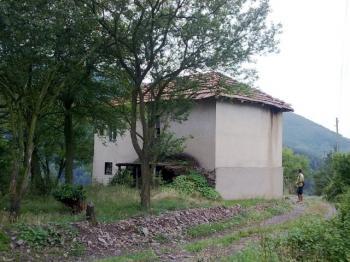 Вила в село луково с уникална панорама.